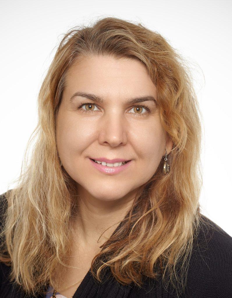 Dr. Sylvia Szabo